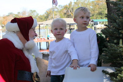 Sixten & Hilding Chat with Santa