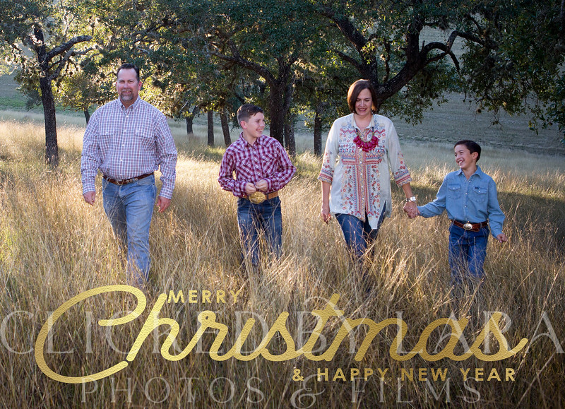 30-MINUTE MINI SESSION:<br /> Need updated family imagery AND personalized photo cards??? Join me in New Braunfels for a 30 minute session and we can make that happen!