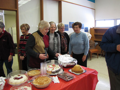 2013-02-14-Seniors-Lunch-February_004