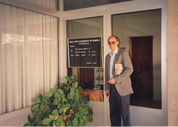 Clay in front of Telheiras Presbyterian church
