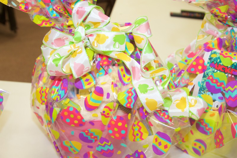 Bright Basket Bows