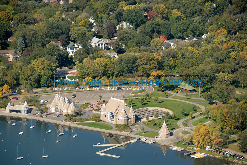 "<font size=""2"" face=""Verdana"" font color=""#5CB3FF"">Aerial view of Lake Harriet with Lake Harriet Bandshell.  Photo taken September  28, 2007.</font>"
