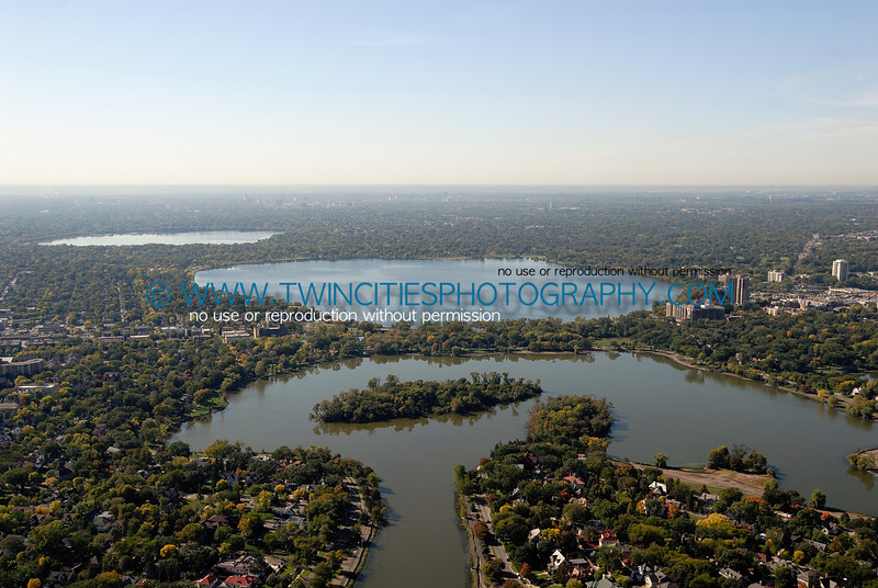 "<font size=""2"" face=""Verdana"" font color=""#5CB3FF"">Aerial view of Lake of the Isles from the North end of the lake.  Lake Calhoun and Harriet are visible at the upper portion of the photo.  September 2007.</font>"