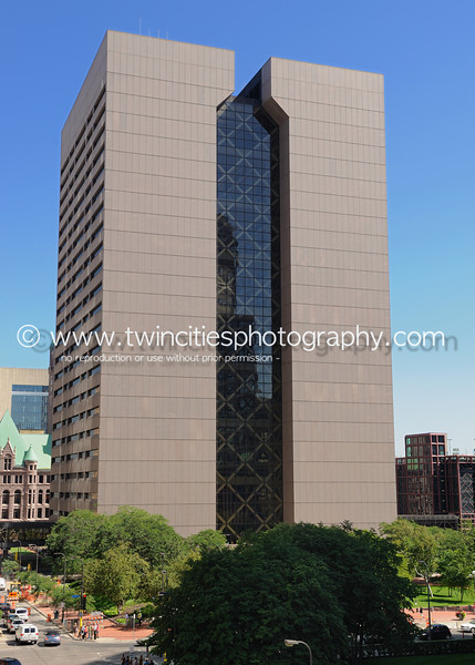 """<font size=""""3"""" face=""""Verdana"""" font color=""""turquoise"""">Hennepin County Government Center - taken from the 4th level of the Minneapolis Club parking ramp - Photo taken August 2011</font>"""