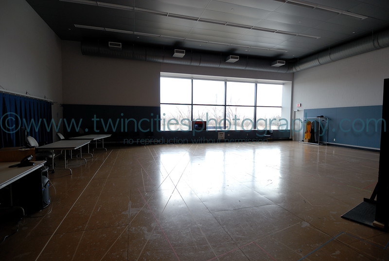 """<font size=""""2"""" face=""""Verdana"""" font color=""""#5CB3FF"""">One of the rehearsal rooms, this one located on the 1st floor of the building. (January 13, 2007).</font>"""