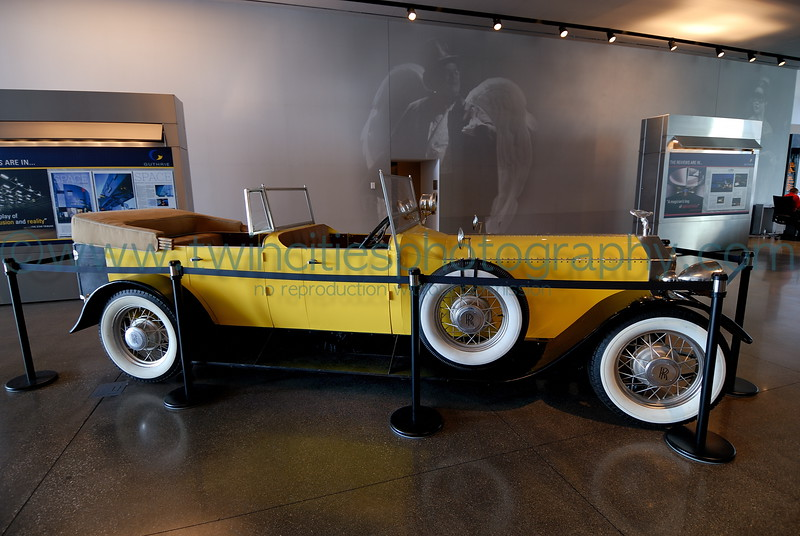 """<font size=""""2"""" face=""""Verdana"""" font color=""""#5CB3FF"""">The main lobby area on the first floor with one of the car's created by the prop department for The Great Gatsby performance in 2006</font>"""