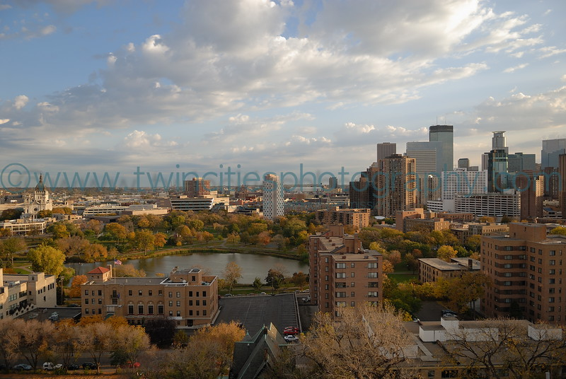 "<font size=""3"" face=""Verdana"" font color=""white"">Loring Park</font> <font size=""3"" face=""Verdana"" font color=""#5CB3FF"">View of Loring park and downtown Minneapolis - photo take from Summit House Condominiums - October 2006</font> <br> <font size = ""1"" font color = ""gray"">Click on photo to see larger size.</font>"