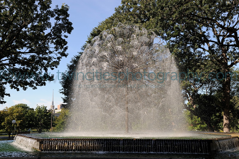 """<font size=""""3"""" face=""""Verdana"""" font color=""""white"""">Loring Park</font> <font size=""""3"""" face=""""Verdana"""" font color=""""#5CB3FF"""">The Berger Fountain in Loring Park - photo date August 2008.</font> <br> <font size = """"1"""" font color = """"gray"""">Click on photo to see larger size.</font>"""