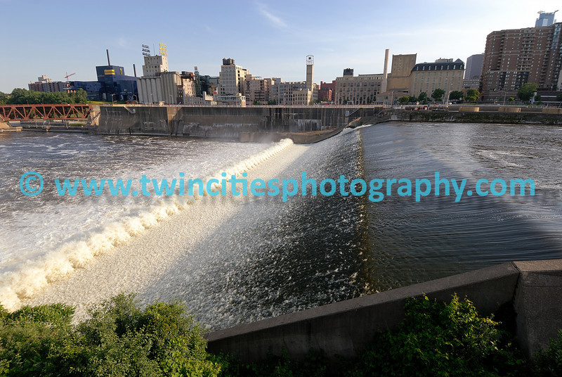 "<font size=""2"" face=""Verdana"" font color=""#84C65D"">View of St. Anthony Falls from the newly opened park, St. Anthony Falls Park, on the Mississippi River near downtown Minneapolis. (June 2007)</font>"