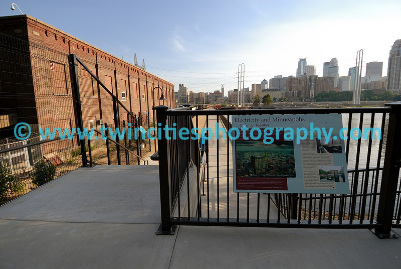 """<font size=""""2"""" face=""""Verdana"""" font color=""""#84C65D"""">The main walkway from St. Anthony Main which takes you to the newly opened park, St. Anthony Falls Park, on the Mississippi River near downtown Minneapolis. (June 2007)</font>"""