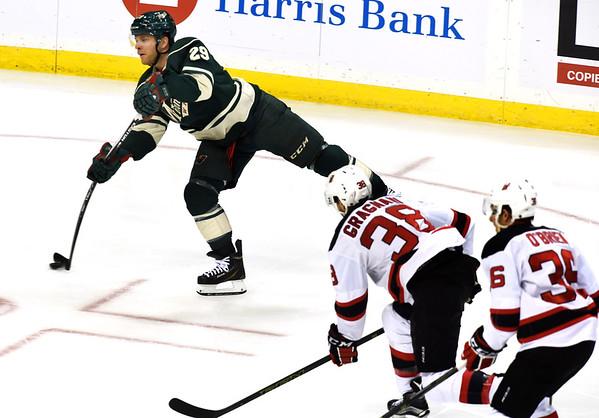 Minnesota Wild play New Jersey Devils