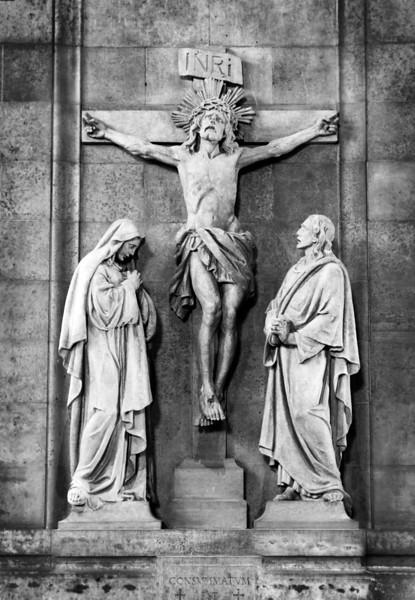 <font size=+2>Christ on the Cross</font>  Basilica of St. Mary Minneapolis, Minnesota <font size=-2>(2-16105)</font>