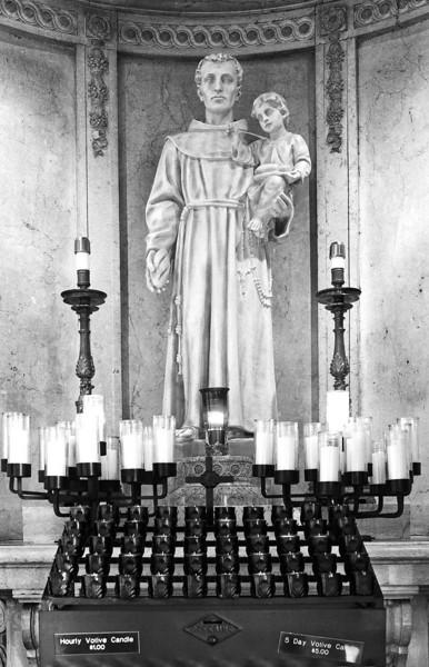 <font size=+2>Chapel of Saint Anthony of Padua</font>  Basilica of St. Mary Minneapolis, Minnesota <font size=-2>(2-16077)</font>