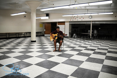 Phil's private concert in the acoustically perfect Franklin Jr. High basement cafeteria.  Brainerd, August 2008