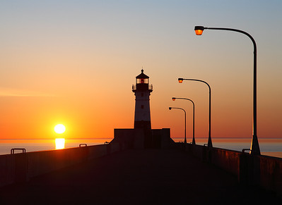 Rising Light - Duluth North Pierhead Lighthouse (Duluth, MN)