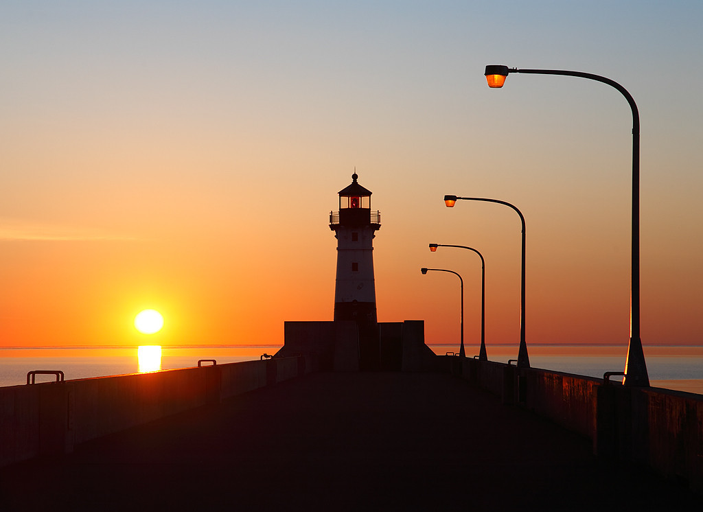 Rising Light - Duluth North Pierhead Lighthouse (Duluth, MN)