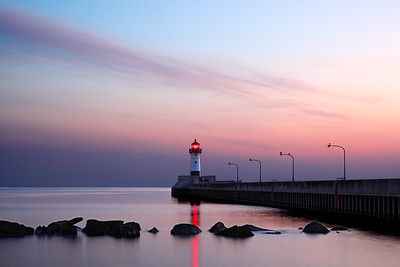 Streaking Light - Duluth North Pierhead Lighthouse (Duluth,MN)