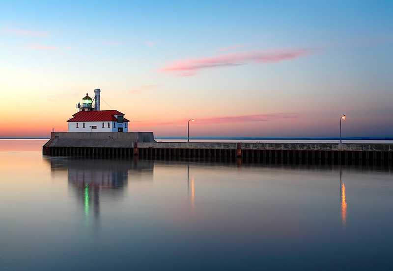 Floating Light - Duluth South Breakwater Lighthouse (Duluth, MN)