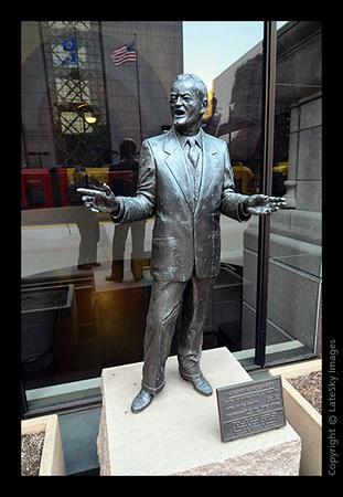 110407_0028 Humphrey Statue