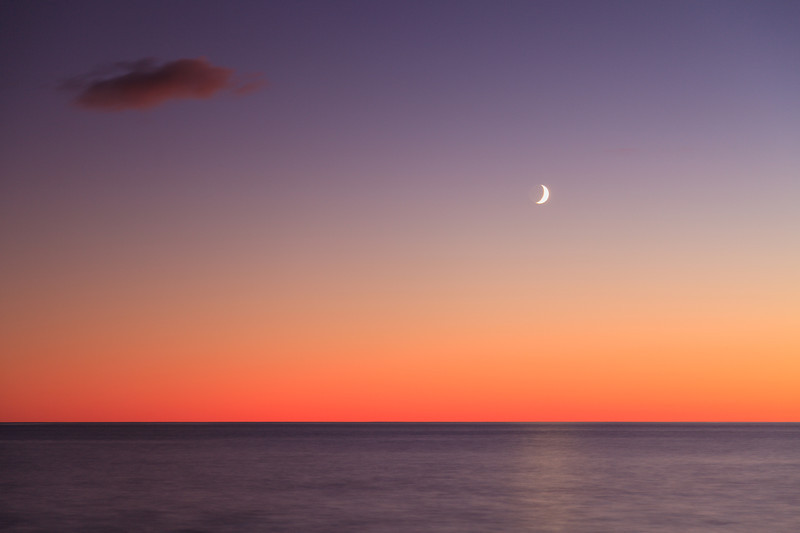 Moon over Lake Superior <br><br>Artist Point <br>Grand Marais, Minneota <br>(5II2-04437)