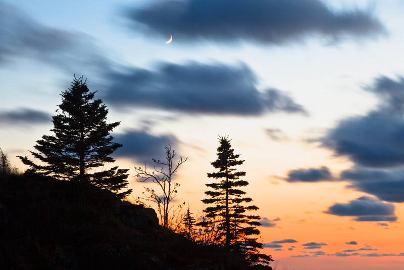 Moon over Hollow Rock <br><br>Grand Portage Indian Reservation <br>Grand Portage, Minnesota <br>(5II2-06299)