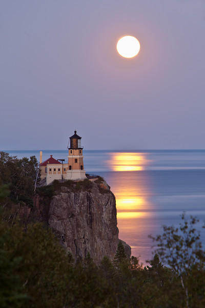 Full Moon over Split Rock <br /> <br /> Split Rock State Park <br /> Two harbors, Minnesota <br /> (5II-17241)