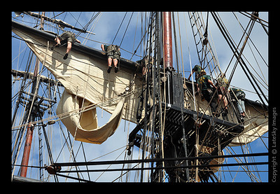 1155 Sailors in the Rigging