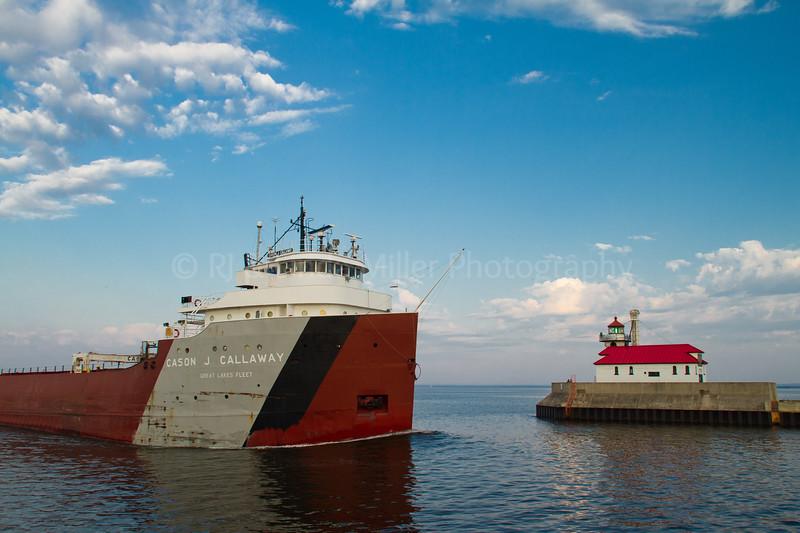 St. Louis, MN, Lake Superior Pierhead Light, Duluth, Cason J. Callaway Freighter