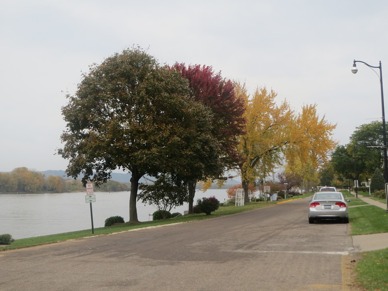 "<a href=""https://salphotobiz.smugmug.com/Minnesota/Southeastern-Great-River-Road/i-RtWfsHZ"">https://salphotobiz.smugmug.com/Minnesota/Southeastern-Great-River-Road/i-RtWfsHZ</a>"
