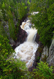 Raining Green - Devil's Kettle Falls (Judge C.R. Magney State Park - Minnesota)