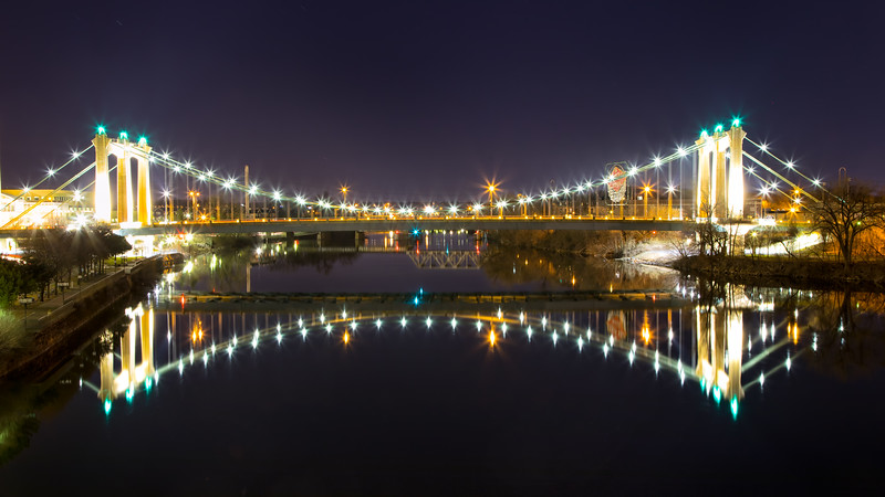 Minneapolis Hennepin ave Bridge