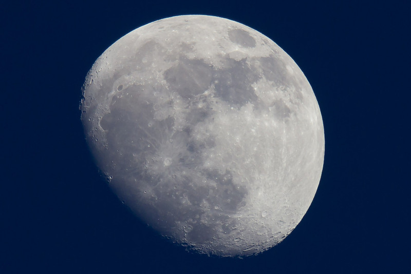 Moon shot with Canon T2i and 100-400L with 1.4xII extender, ~35% crop
