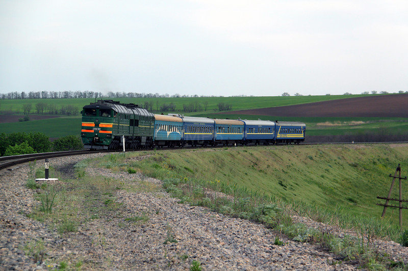 2TE116 1386 at 216 9km near Fisaki on 7th May 2010 (4)