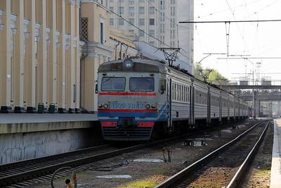 EP2P 7042 at Kharkov Station on 2nd May 2010
