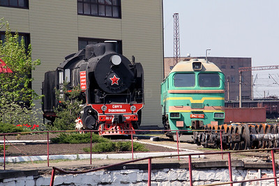 steam, SO17 2327 at Kharkov Osnova Depot on 2nd May 2010 (4)
