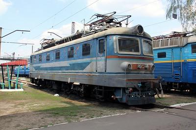 ChS2 707 at Kharkov October Depot on 2nd May 2010 (2)