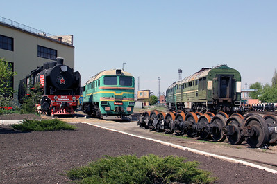 steam, SO17 2327 at Kharkov Osnova Depot on 2nd May 2010 (7)