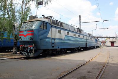ChS7 114 at Kharkov October Depot on 2nd May 2010