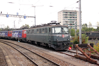 11404 at Lausanne Triage Yard on 12th September 2009