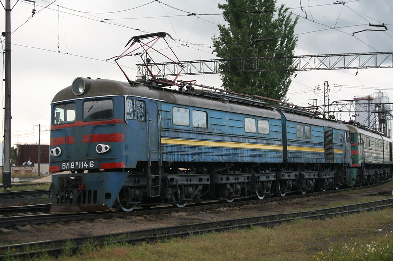 VL8 1146 at Dzhankoy Depot on 10th May 2008 (2)