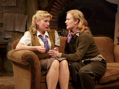 Angela Pierce and Heidi Armbruster in LOVE GOES TO PRESS by Martha Gellhorn and Virginia Cowles   Photo: Richard Termine