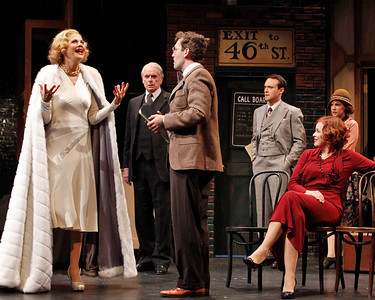 Kristen Johnston, John Windsor-Cunningham, Ned Noyes, Kevin O'Donnell, Catherine Curtin and Anna Chlumsky (in back) in SO HELP ME GOD! by Maurine Dallas Watkins  Photo: Richard Termine