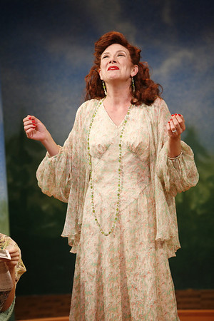Leslie Hendrix in SUSAN AND GOD by Rachel Crothers  Photo: Richard Termine