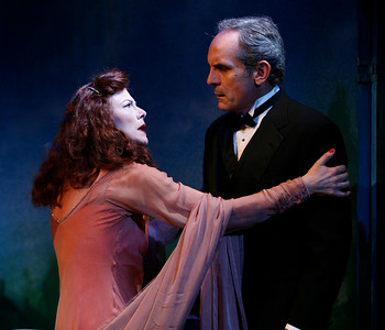Leslie Hendrix and Anthony Newfield in SUSAN AND GOD by Rachel Crothers  Photo: Richard Termine