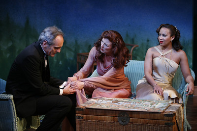 Anthony Newfield, Leslie Hendrix and Opal Alladin in SUSAN AND GOD by Rachel Crothers  Photo: Richard Termine