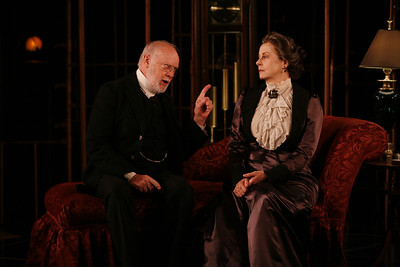 Chet Carlin and Robin Moseley in THE GLASS CAGE by J.B. Priestley  Photo: Richard Termine