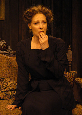 Lisa Bostnar in THE TRUTH ABOUT BLAYDS by A.A. Milne  Photo: Richard Termine