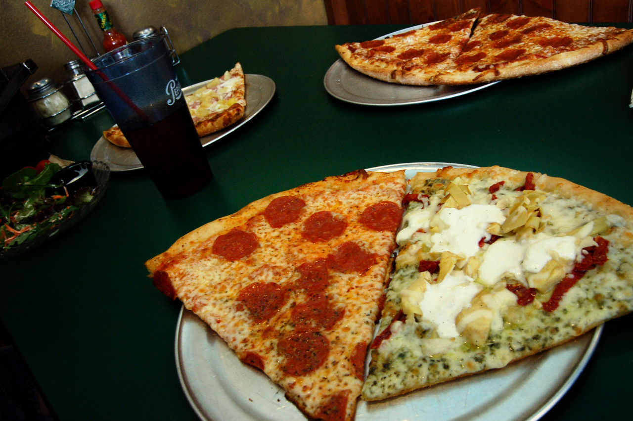 The Giant Fratelli Slices