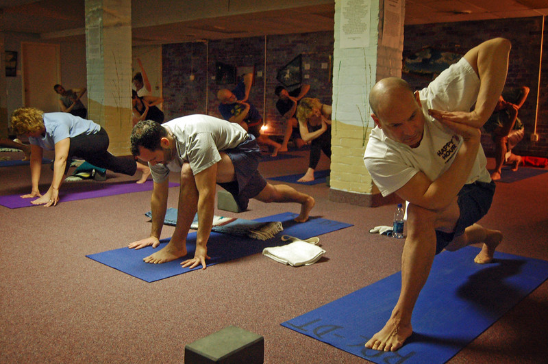 Downtown Fitness Club: Yoga