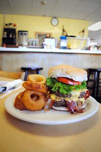 Dewey Diner 2811 Dewey Ave